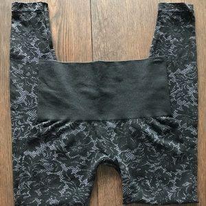 Soma Pants - Soma Black Lace Tapestry Slimming Leggings EUC